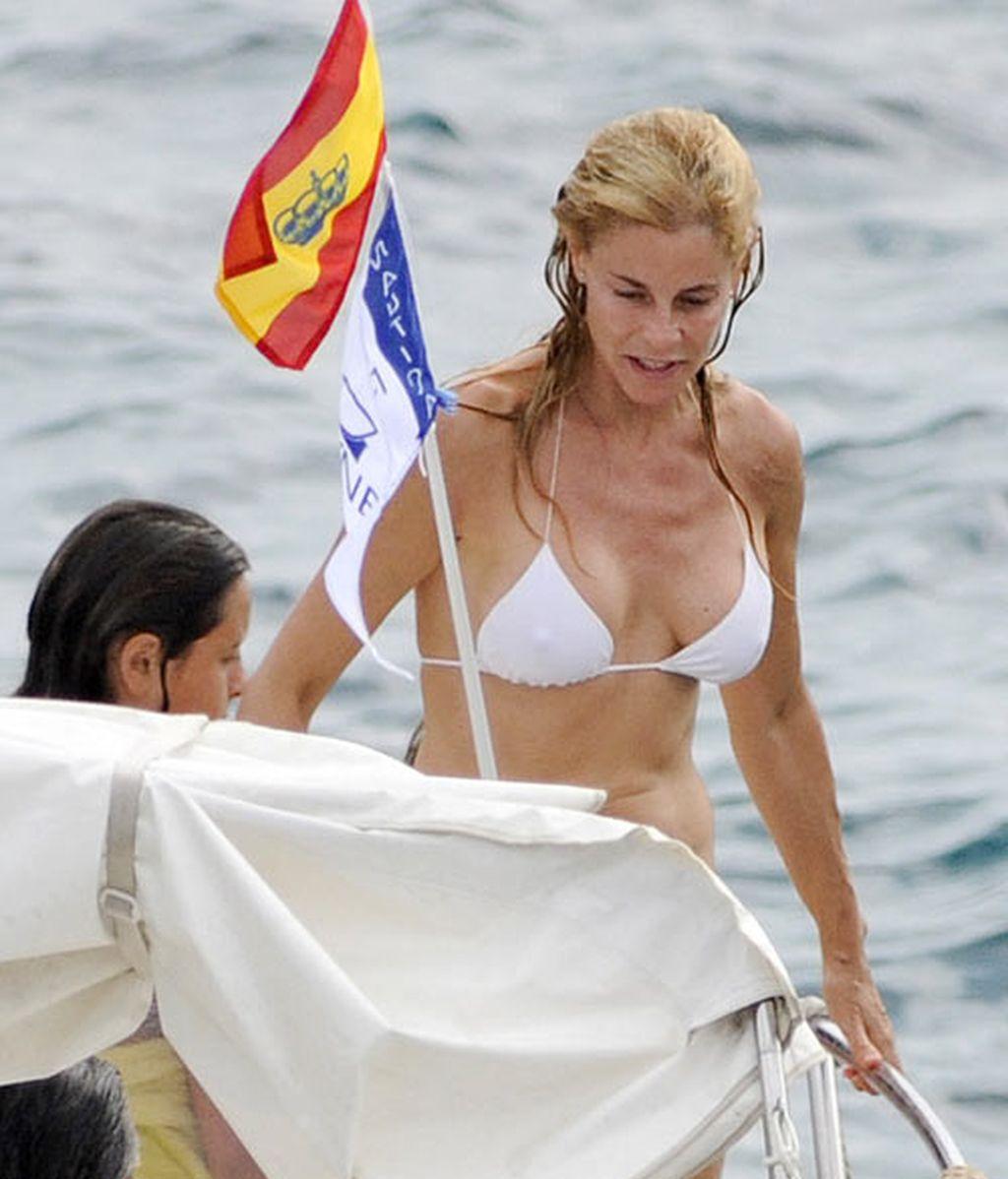 Belen rueda fotos bikini