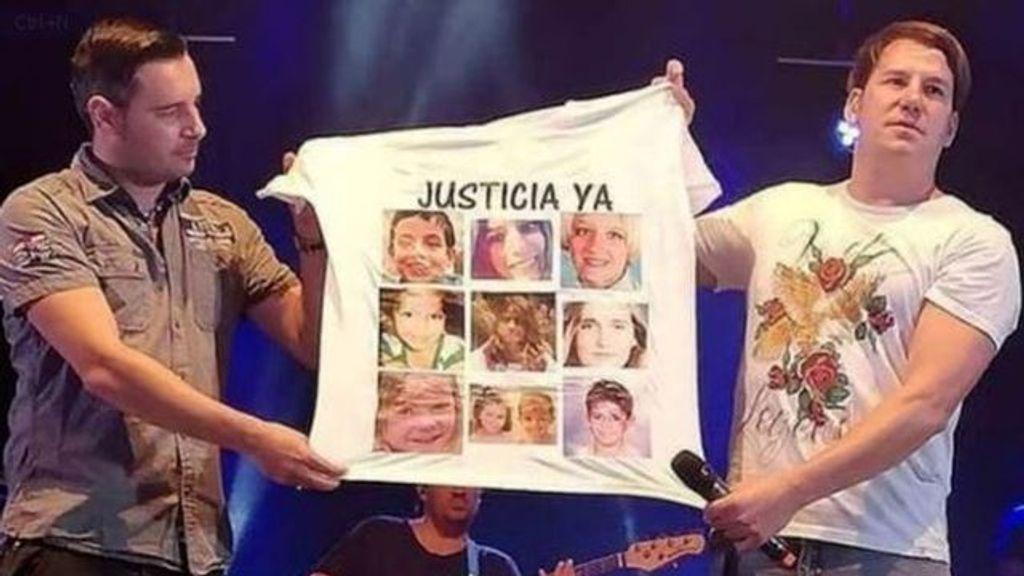 La camiseta que los artistas muestran en sus conciertos