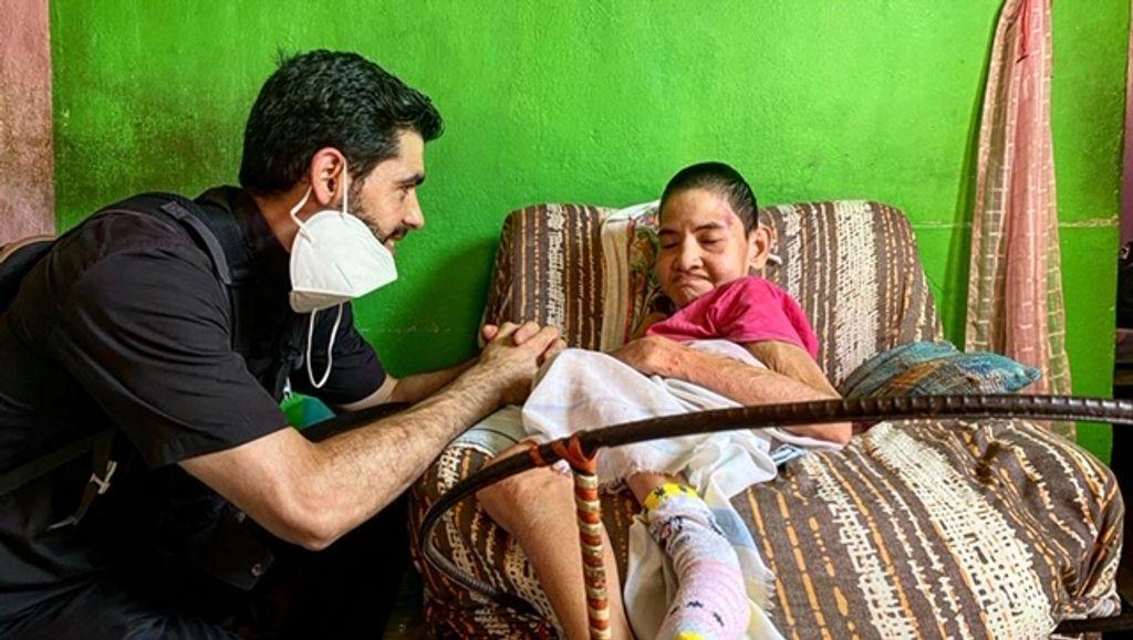 El cura español Robin Hood, superviviente en Caracas