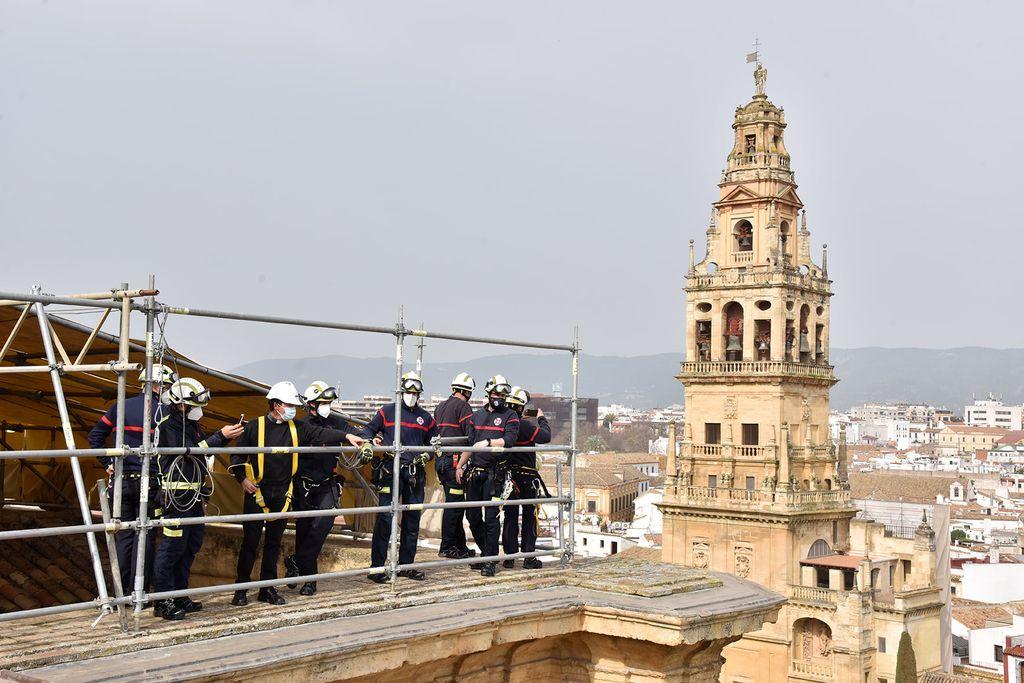 Bomberos de Córdoba en la Mezquita