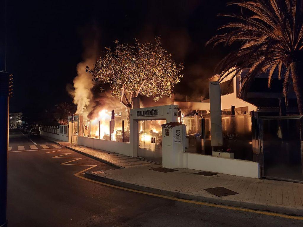 El restaurante en llamas.