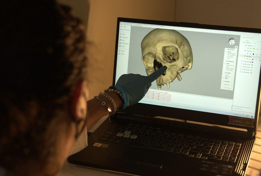 Investigadores trabajan en el proyecto.