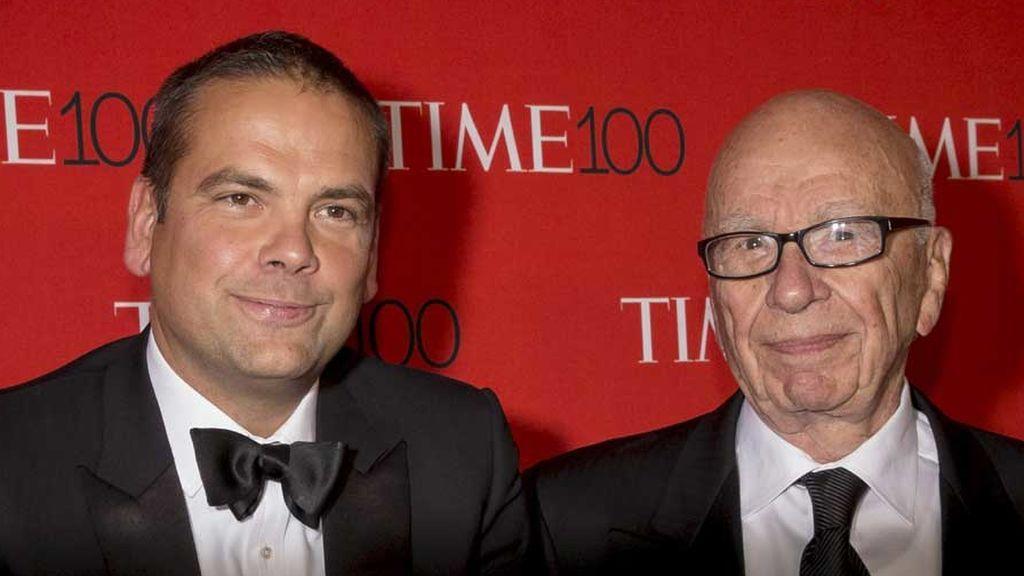 Rupert Murdoch y su hijo Lachlan en la gala de la revista Time (2015)
