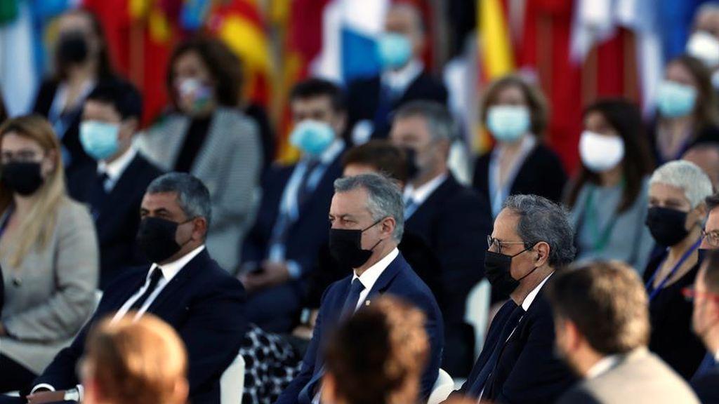Urkullu y Torra, en el acto al que no ha faltado ningún presidente autonómico