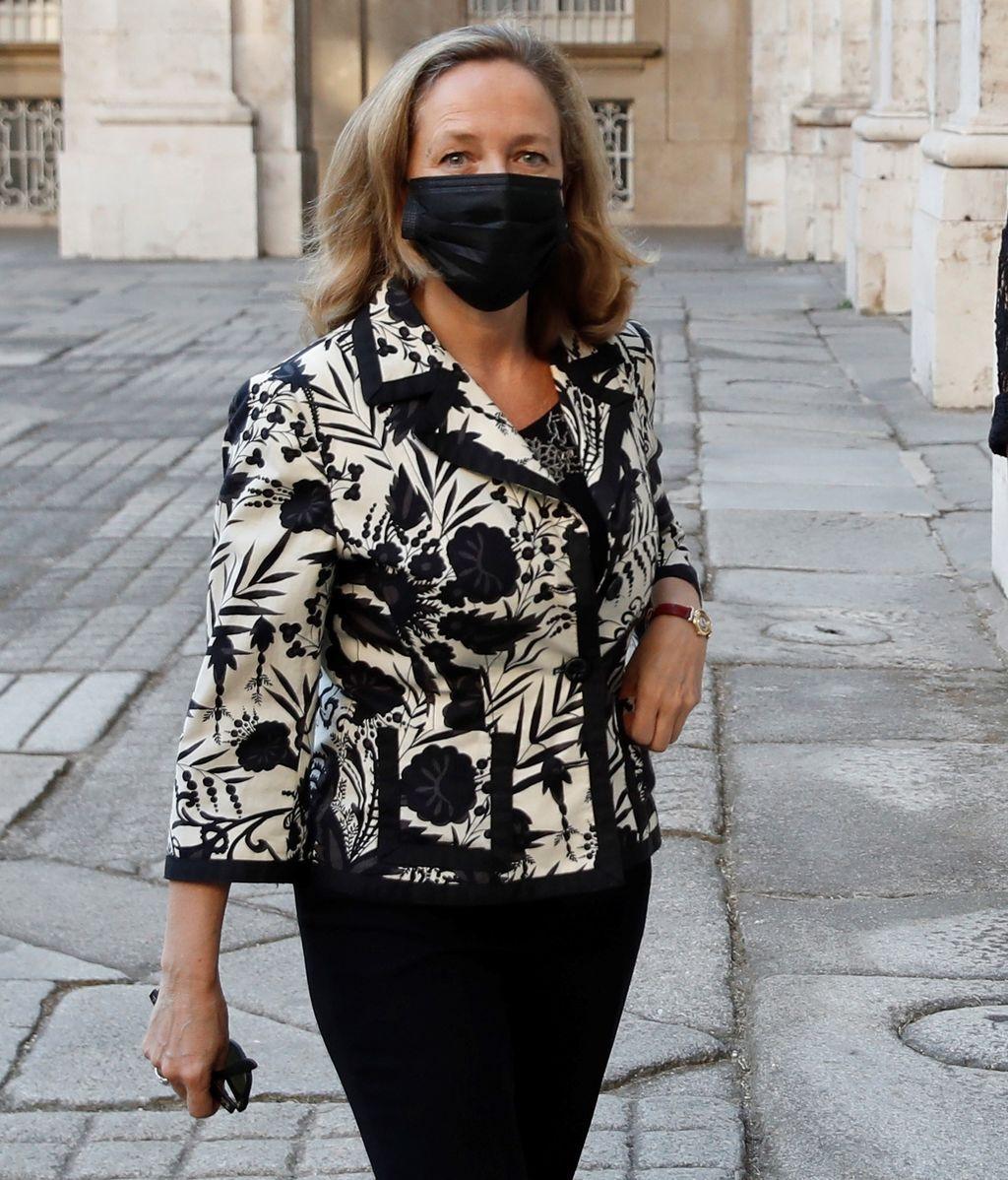 La vicepresidenta tercera del Gobierno y ministra de Asuntos Económicos y Transformación Digital, Nadia Calviño, a su llegada a la ceremonia