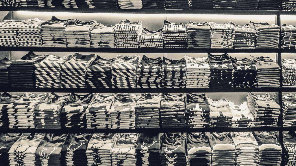 Las míticas camisetas rockeras nunca mueren.