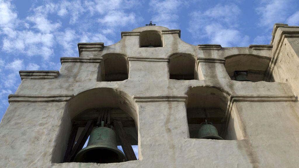 INCENDIO EN LA MISION DE SAN GABRIEL- BORRADOR