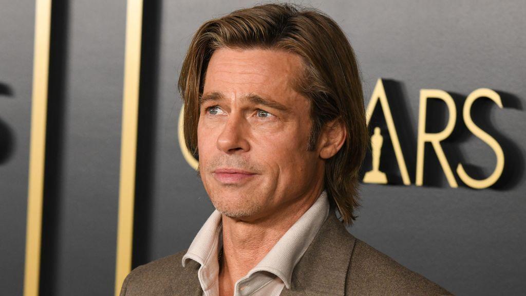 Brad Pitt posando para los medios