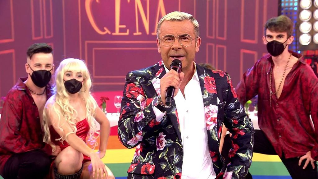 Jorge Javier Vázquez canta 'Yo quiero bailar'