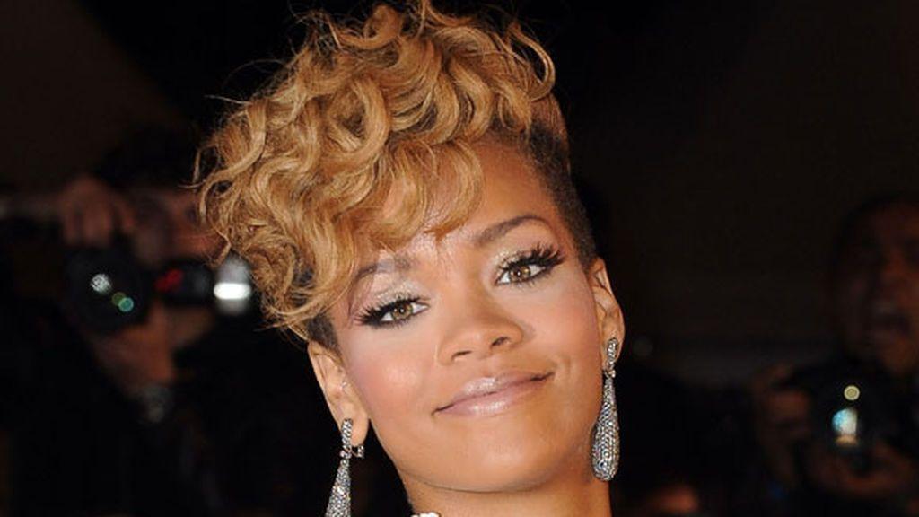 A partir del año 2009 y, para romper con su pasado, Rihanna cambió innumerables veces de look