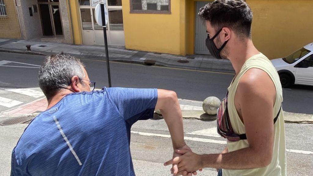 """A Fran le ha ayudado su suegro a perder el miedo a pasear con su chico por la calle: """"Ojalá más personas como él"""""""