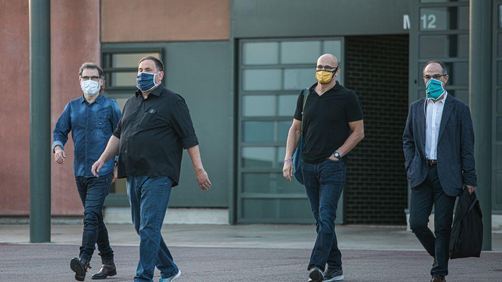 Los presos del procés salen de la cárcel en su primer día de semilibertad