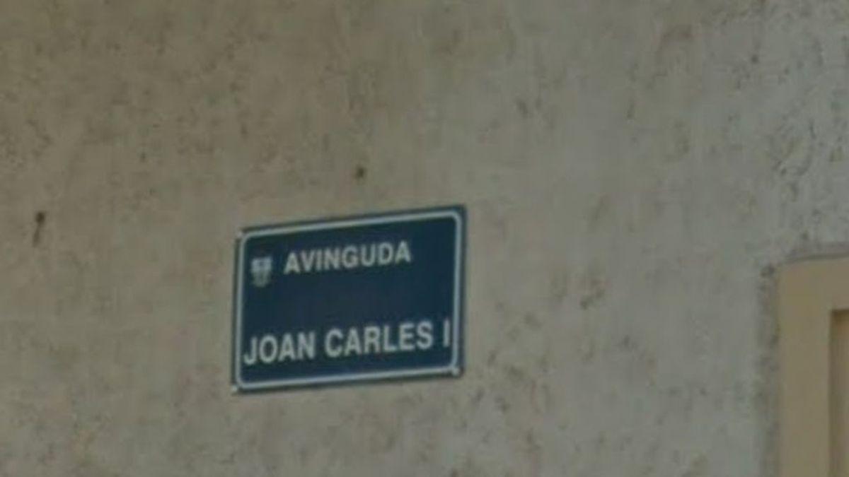 """Villajoyosa cambia el nombre de la avenida Juan Carlos I por """"aprovecharse de su cargo para enriquecerse"""""""