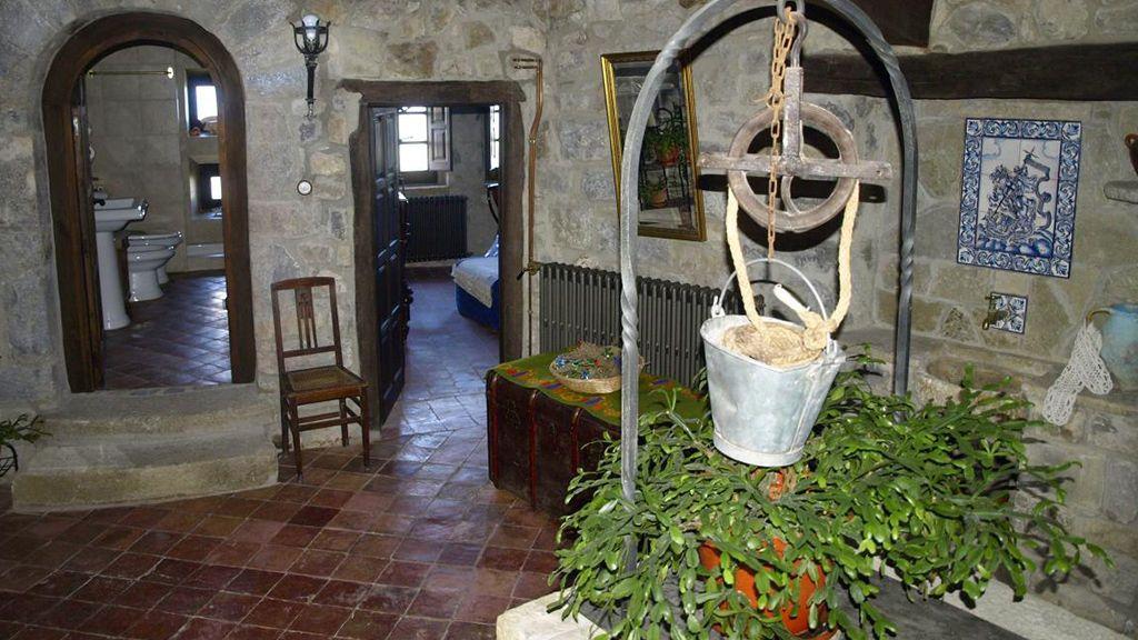 Interior del Castillo de Lláes