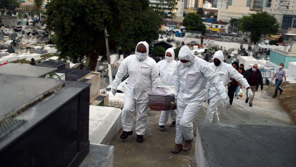 Nuevo récord de contagios diarios a nivel global con 237.000 y la cifra de muertos roza ya los seis millones