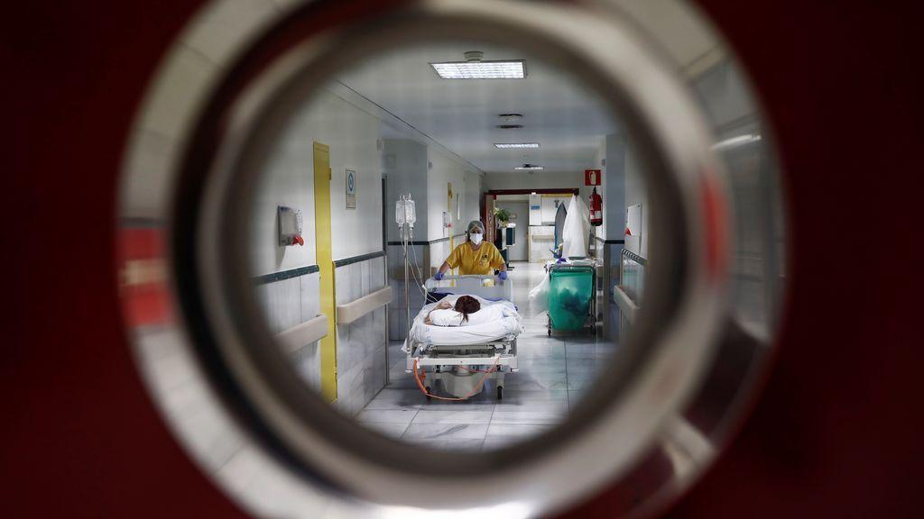 El enigma de Madrid: más hospitalizaciones por Covid-19 que Cataluña con cuatro veces menos casos reportados