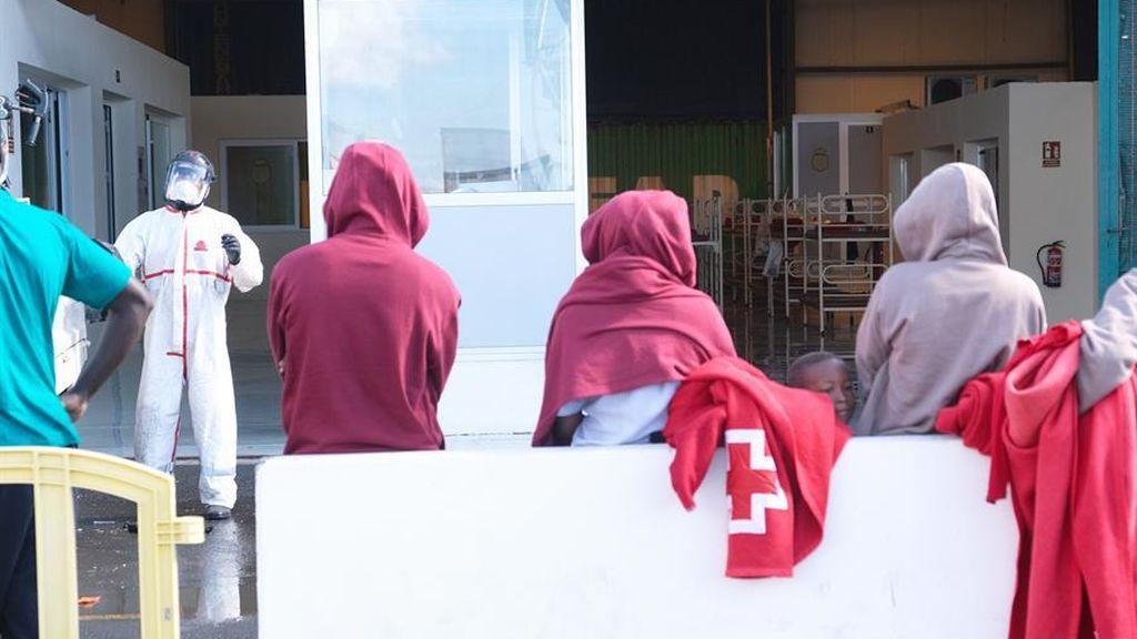 Dan positivo 46 de los 61 inmigrantes que llegaron el pasado viernes a Fuerteventura