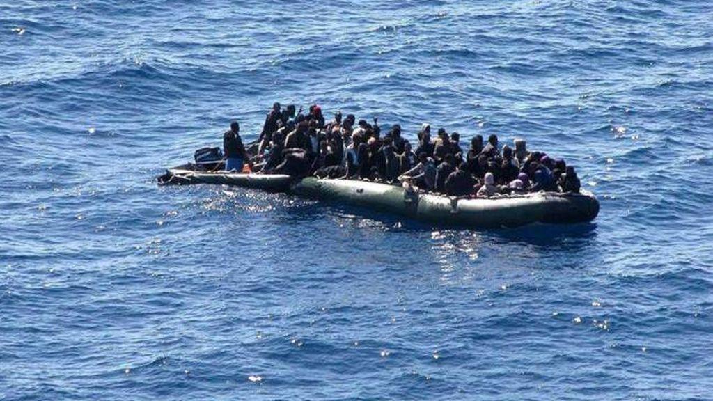 Dan positivo por coronavirus 47 de los 61 migrantes que llegaron el viernes en patera a Fuerteventura