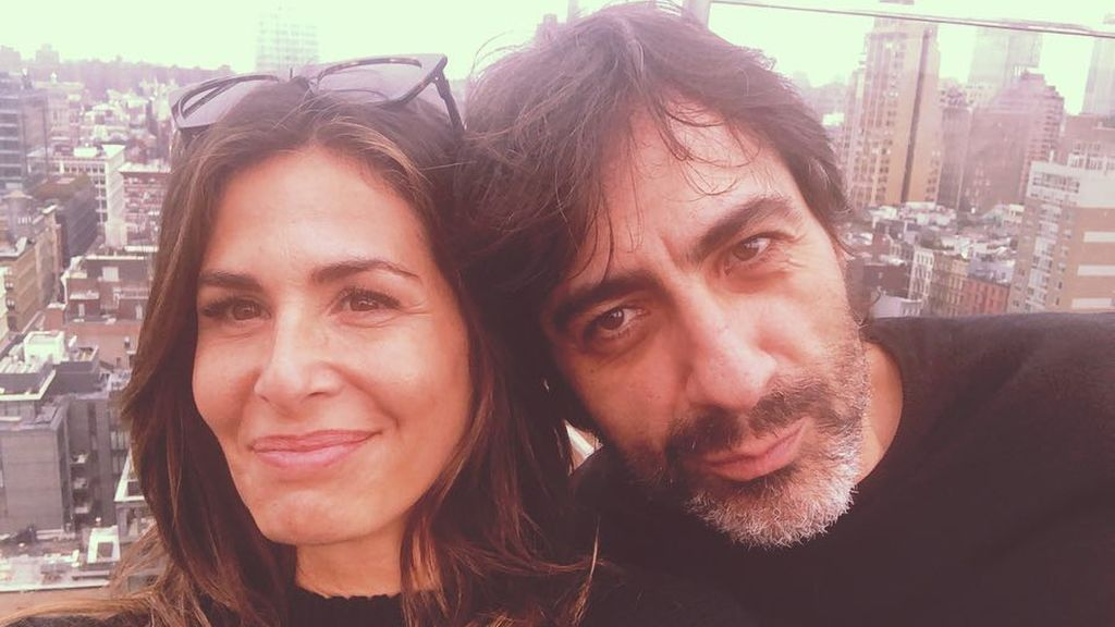 """Nuria Roca y Juan del Val despixelan a su hijo por su 18 cumpleaños: """""""""""