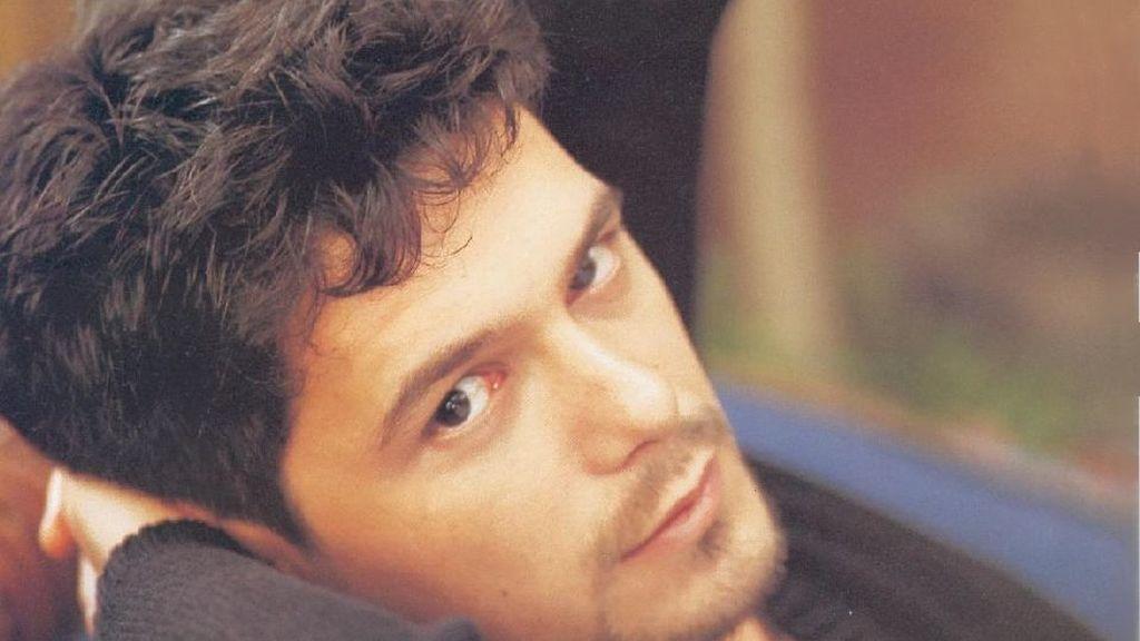 Alejandro Sanz empezó a interesarse por la música con tan solo siete años.