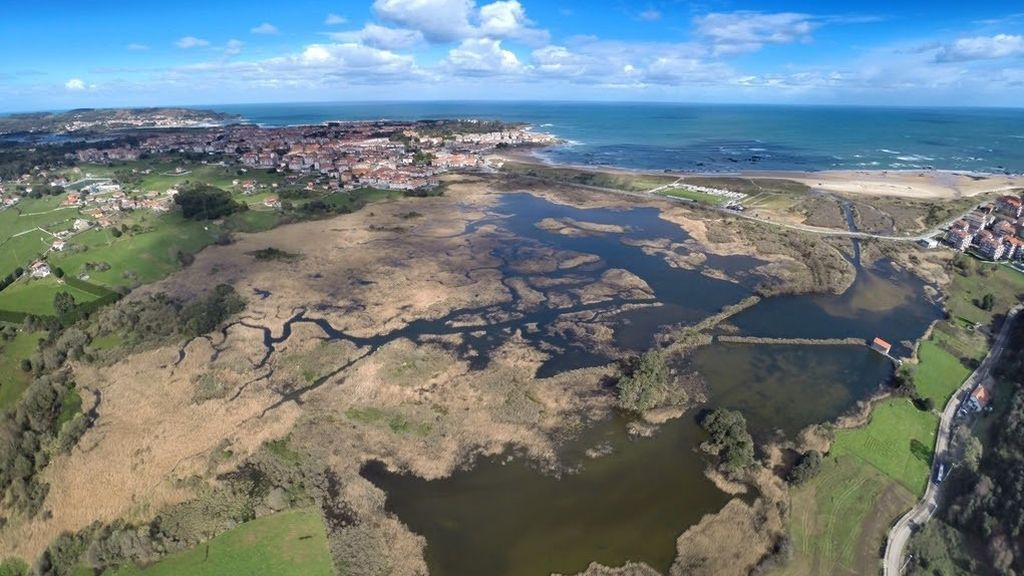 EuropaPress_3215843_vista_aerea_noja_cantabria_turismo_naturaleza_playa_mar_biodiversidad