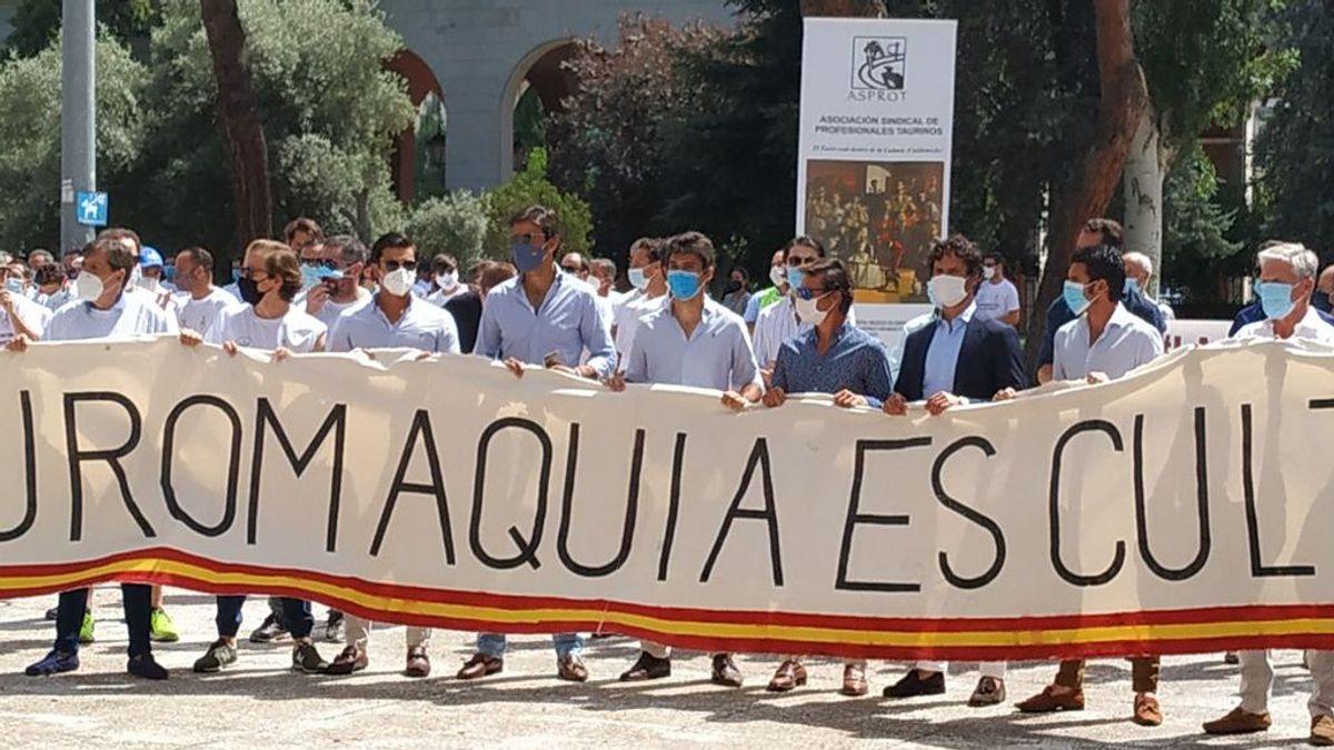 Cientos de profesionales del toro piden la dimisión de la Ministra de Trabajo