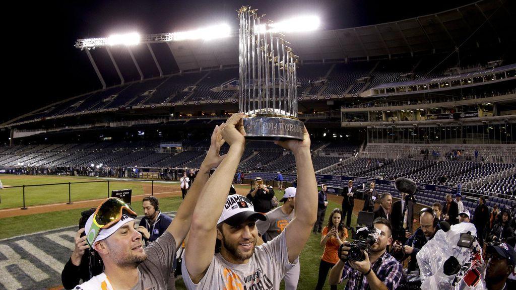 jugadores de los San Francisco Giants celebrando un título de béisbol