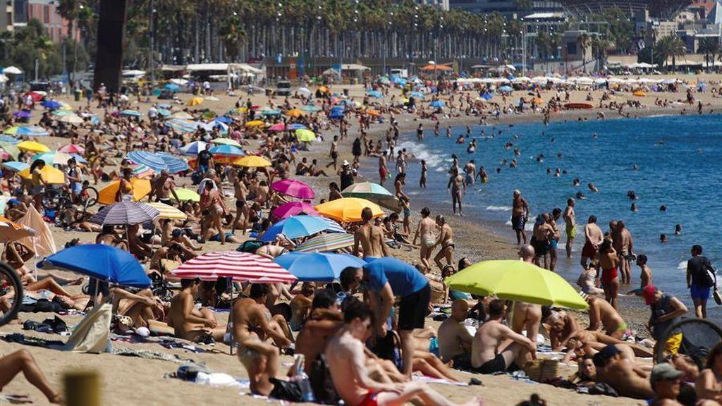 Última hora del coronavirus:  El Ayuntamiento de Barcelona reducirá el aforo de las playas en un 15%