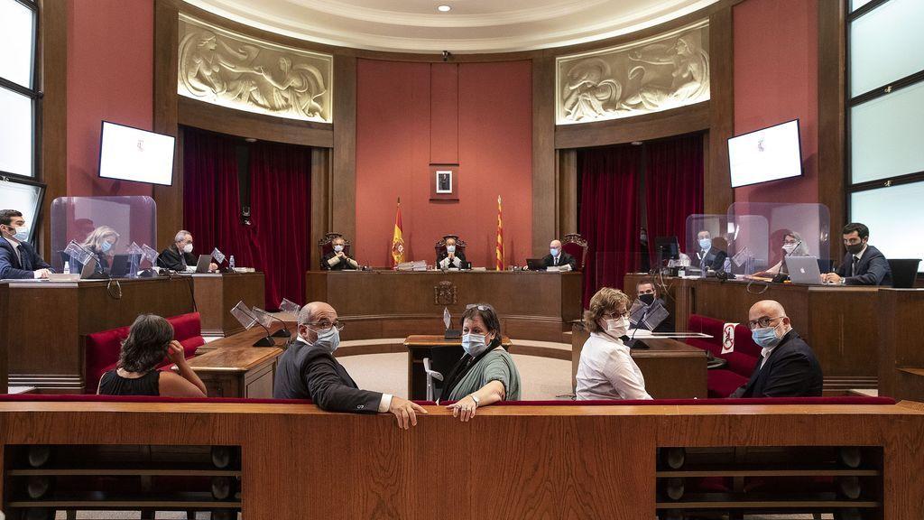 EuropaPress_3245206_juicio_tribunal_superior_justicia_catalunya_tsjc_exmiembros_mesa_parlament