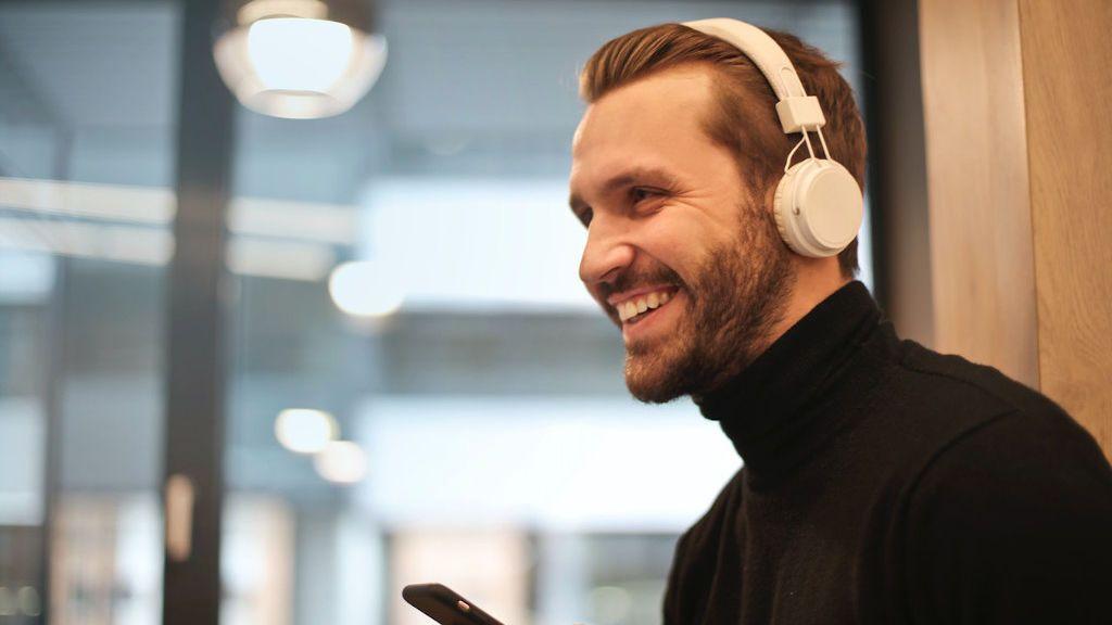 Los mejores auriculares inalámbricos para que vayas con tu música a cualquier parte