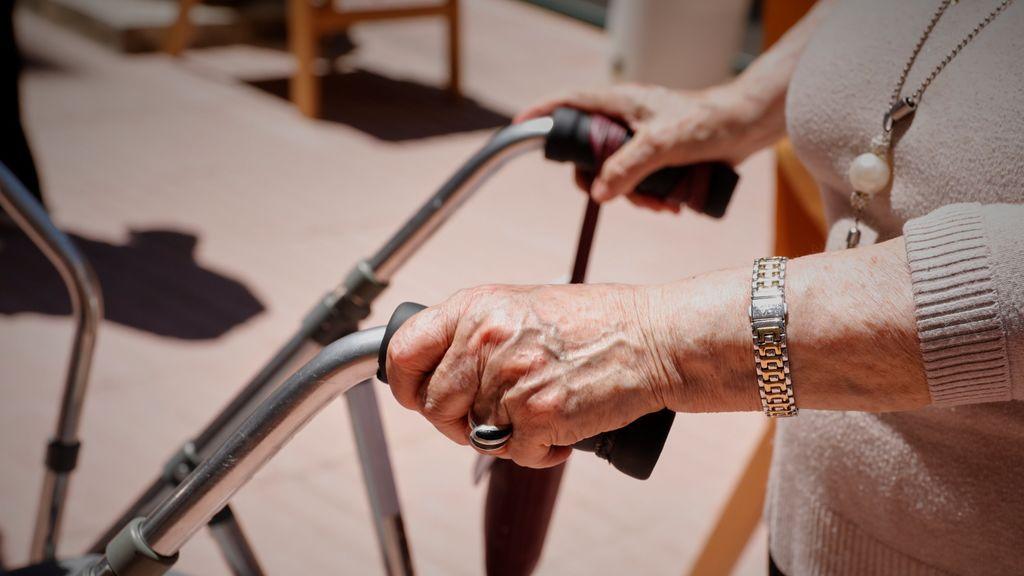 Los expertos advierten: en las residencias de mayores sigue faltando personal,  financiación y coordinación