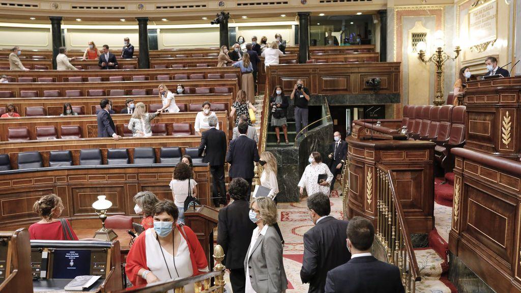 Las medidas sociales rechazadas por el Congreso:  planes de conciliación, becas o más recursos para las residencias