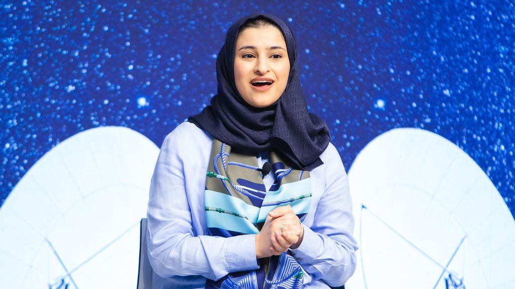 Sarah al-Amiri: la ingeniera que ha dirigido la primera misión interplanetaria desarrollada por una nación árabe