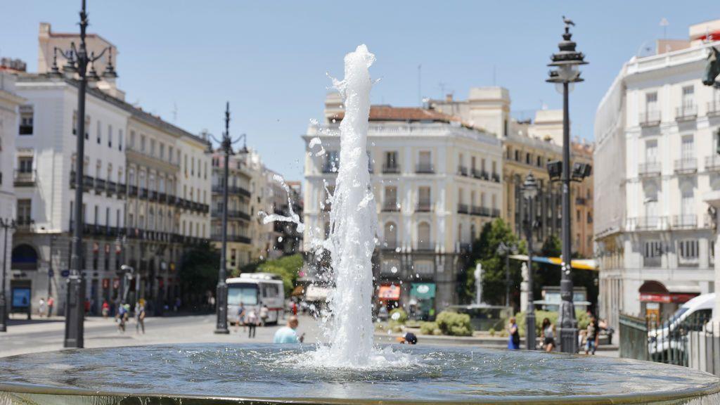 Bañarse en las fuentes públicas se sanciona con multas de hasta 750 euros