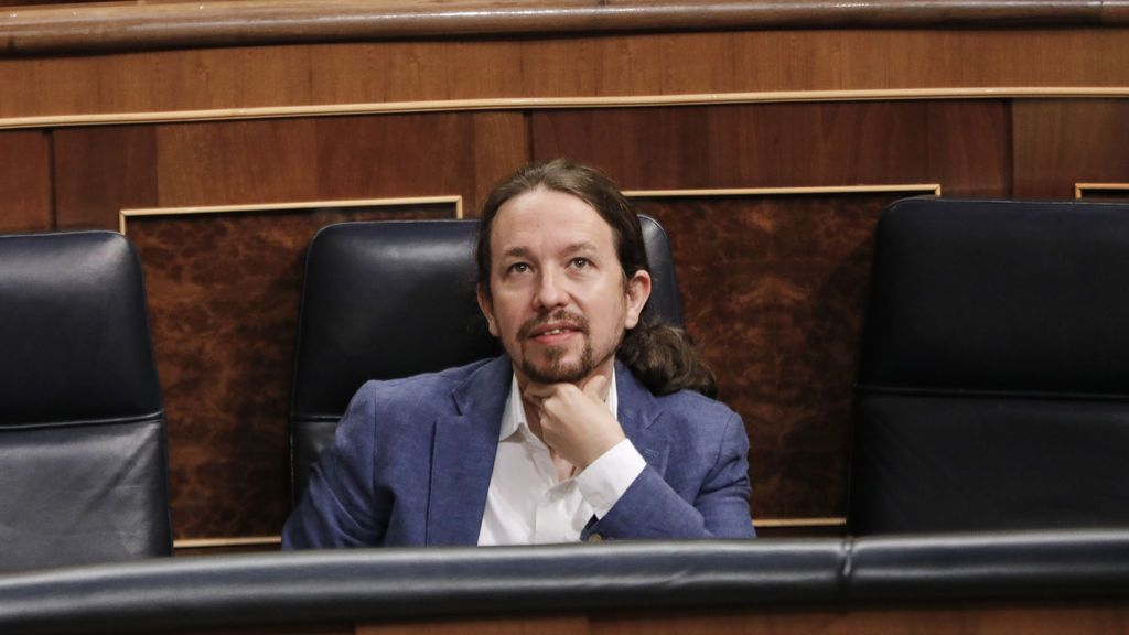 """PP y Vox contra Iglesias por el 'caso Dina': """"Emperador de las cloacas"""" y """"lío de faldas"""""""