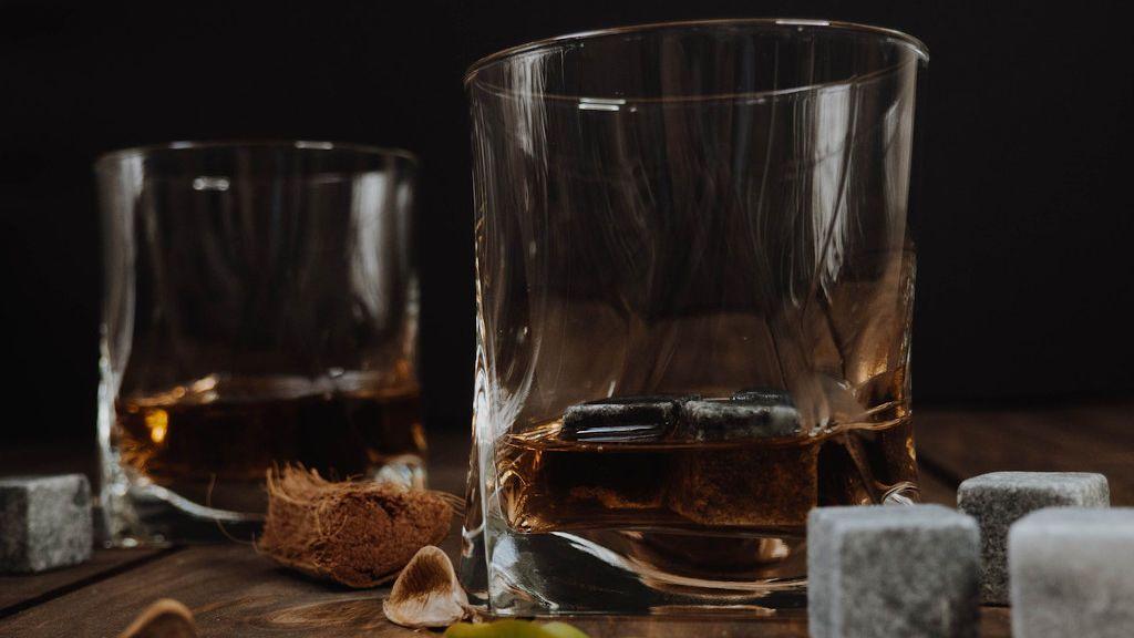 Sabores que revolucionan el paladar: la lista de los mejores whiskies