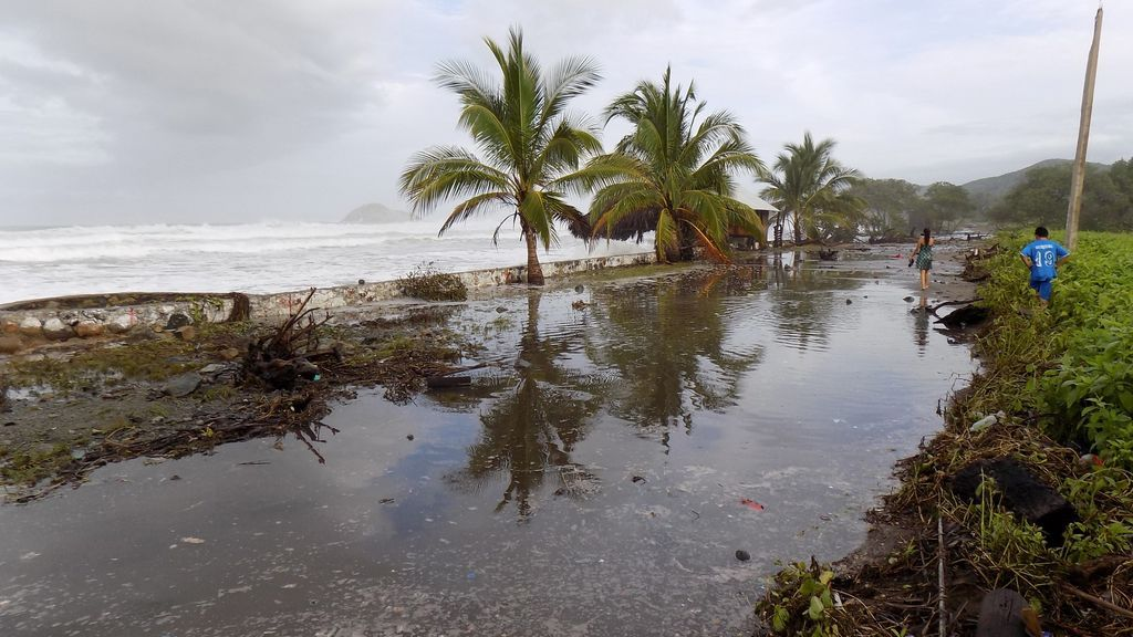 Tormenta tropical Gonzalo, dirección al Caribe: el Centro de Huracanes activa la alarma en Barbados