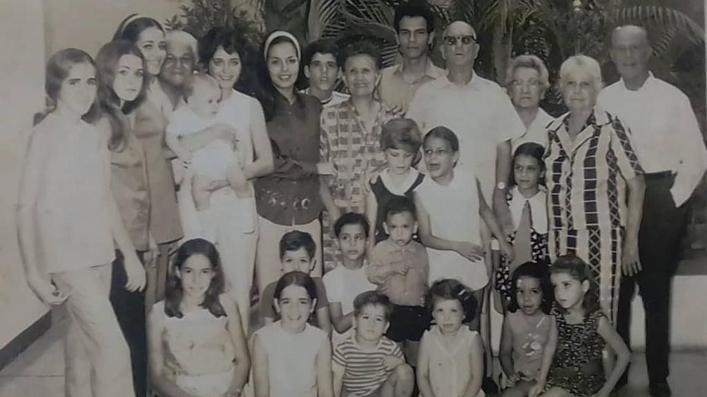 Familia Silva Baiz, la familia de Adolfo Guzmán, abuelos, hijos y nietos.