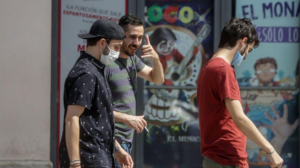 NO PÙBLICAR Madrid impone el uso obligatorio de la mascarilla y echa la culpa a la gestión de Sánchez en Barajas