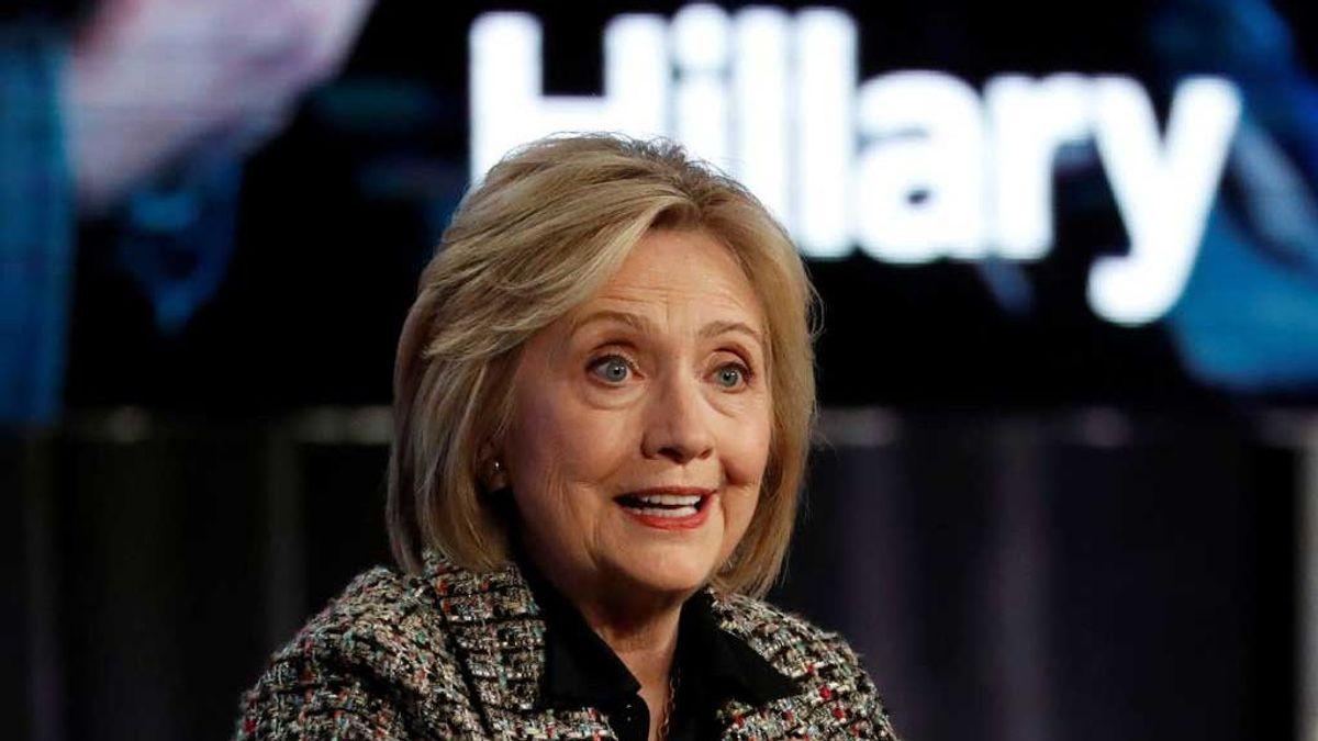 ¿Cómo sería la vida de Hillary sin casarse con Clinton? Preparan una serie con la guionista de 'House of Cards'