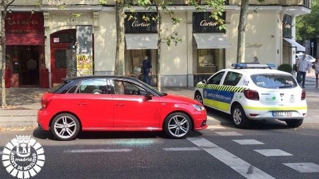 Rescatan a un bebé que estaba dentro de un coche a pleno sol  y 37 grados en Madrid