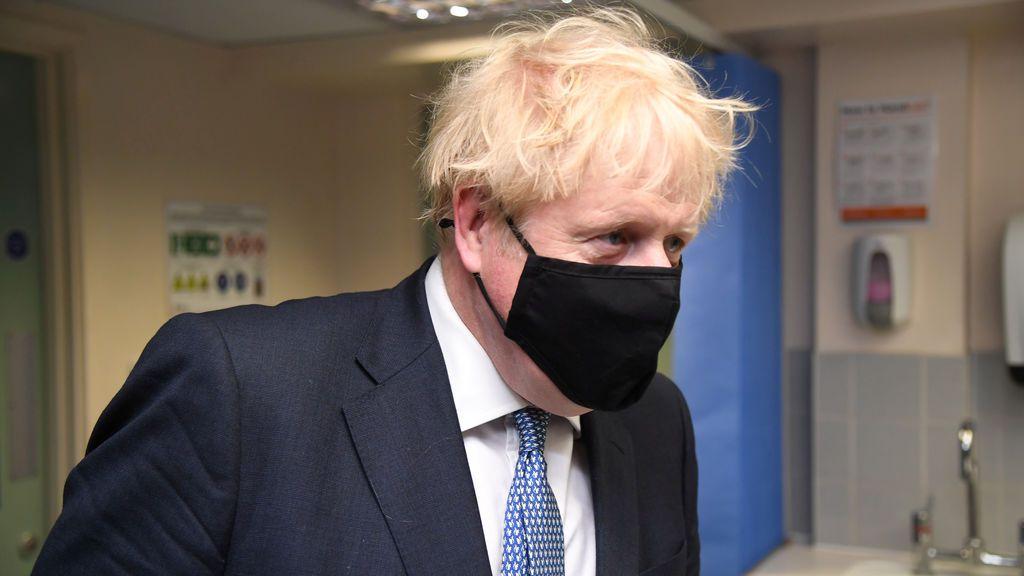 """Johnson: """"Los antivacunas etán como un cencerro"""""""