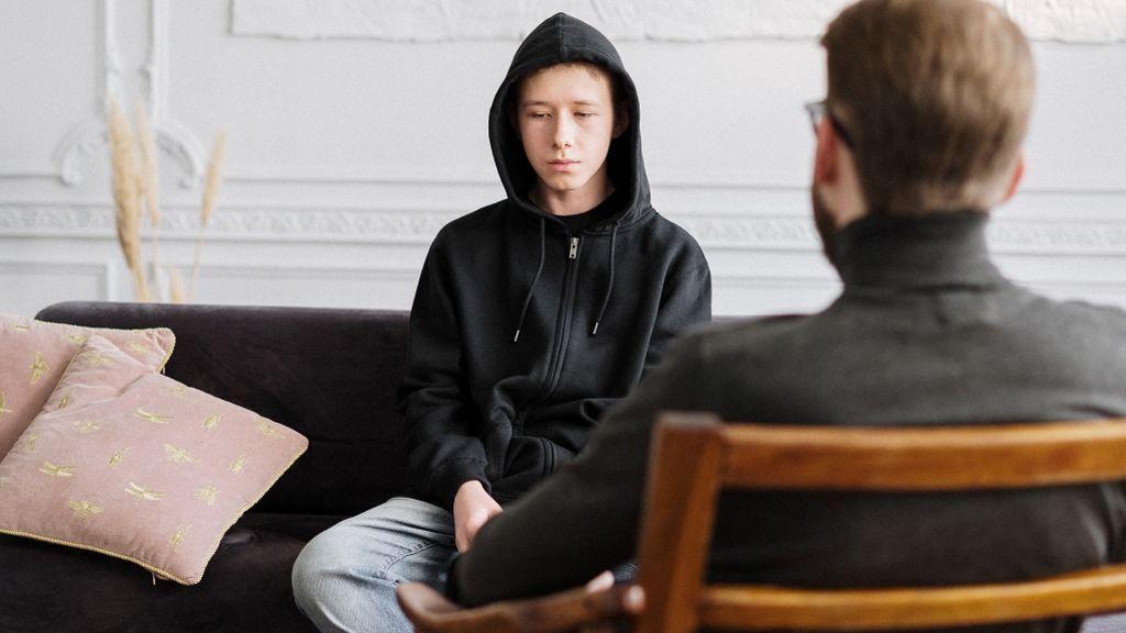 """""""Me da miedo que mi psicólogo cuente mis secretos"""": cuando la terapia no ayuda y sí aterra"""