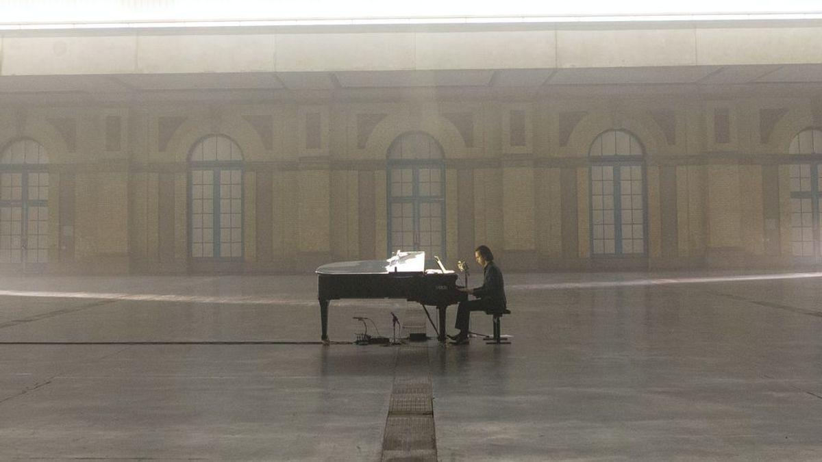 """""""Sí, he llorado"""":  Nick Cave demuestra que los conciertos también son emocionantes en la nueva normalidad"""