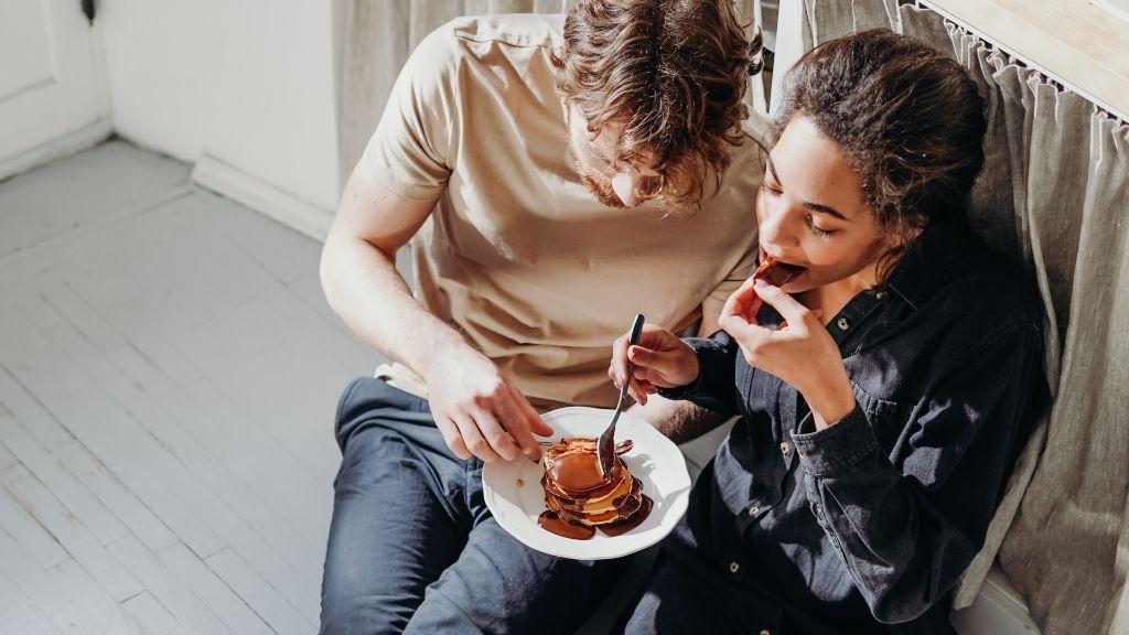 Una pareja que no se ha resistido al capricho de las tortitas de chocolate