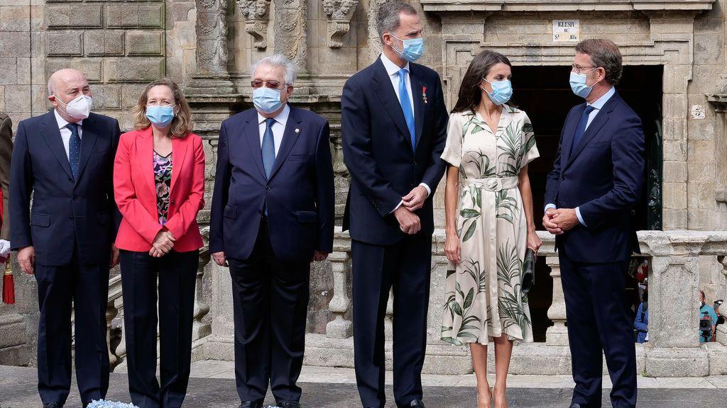 """Felipe VI recuerda ante el Apóstol a las víctimas de la pandemia y el """"impagable sacrificio de los ciudadanos"""""""