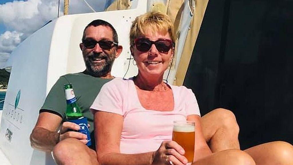 Temen que una pareja australiana que navegaba alrededor del mundo haya muerto tras hundirse su embarcación