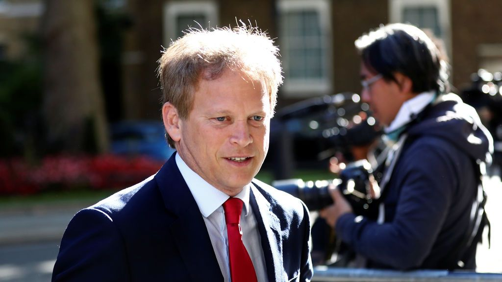 El ministro británico de Transporte, de vacaciones en España, hará la cuarentena en Reino Unido