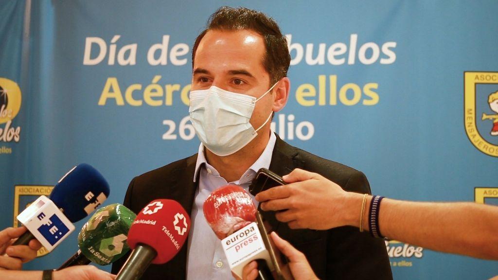 La Comunidad de Madrid insiste en que tiene 182 rastreadores pero no descarta contratar más si la curva sube