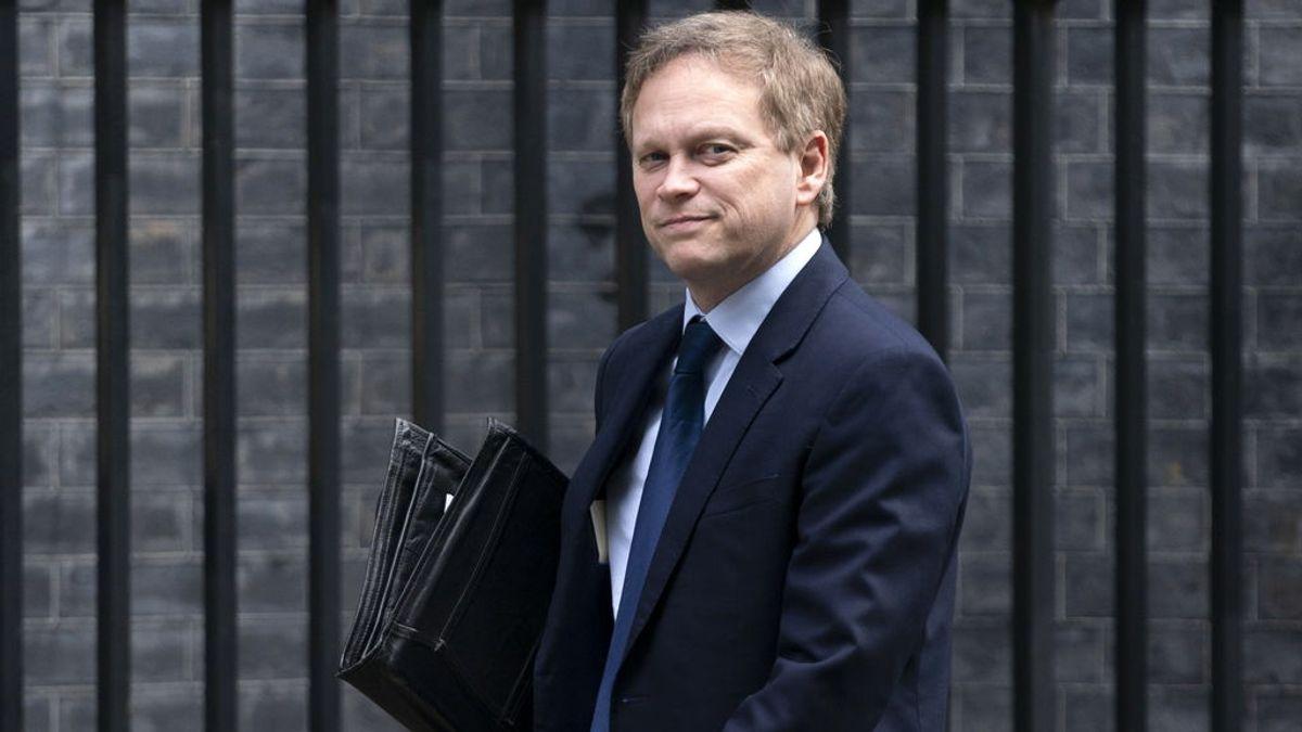 El ministro de Transporte británico, de vacaciones en España, cumplirá con la cuarentena